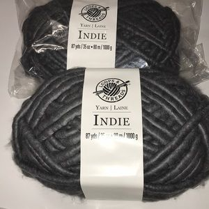 Indie 87 yds gray yarn